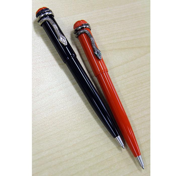 ボールペン ブラックとコーラル