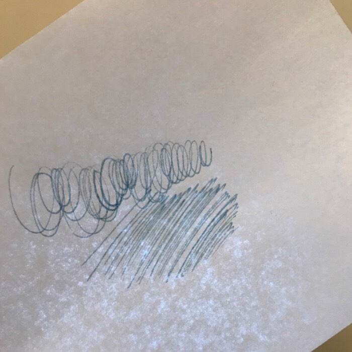 紙なのに透明感