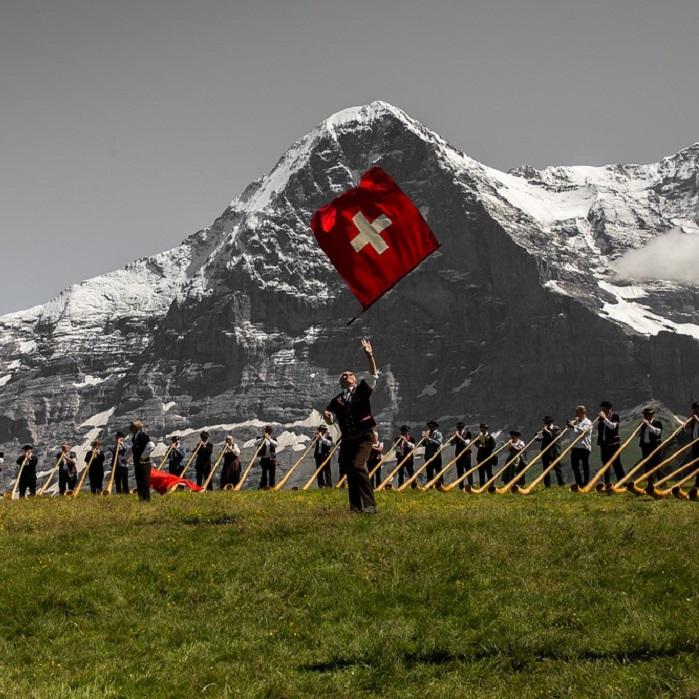 スイスの楽器アルプホルン